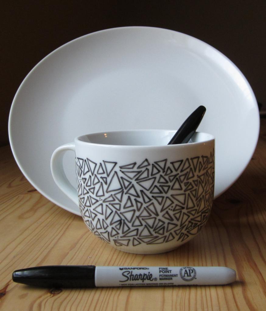 geo triangle mugs