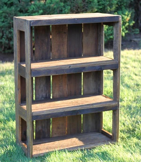 wood pallet bookshelf