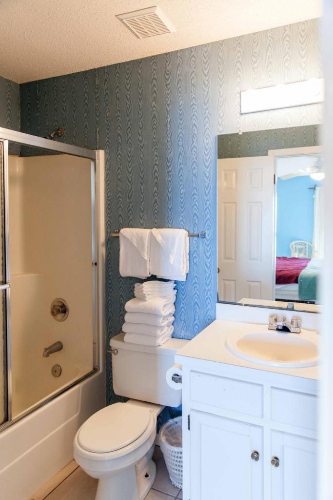 beach bathroom before