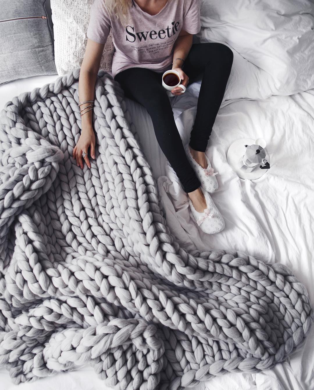 Cosy Craft How to Make This Snug Chunky Knit Blanket