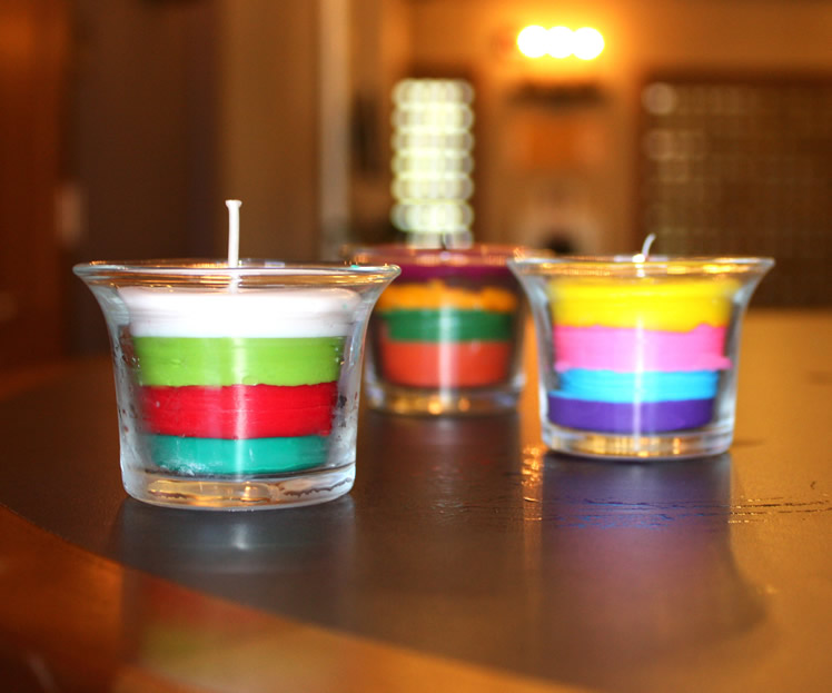 old crayons for a colorful candle