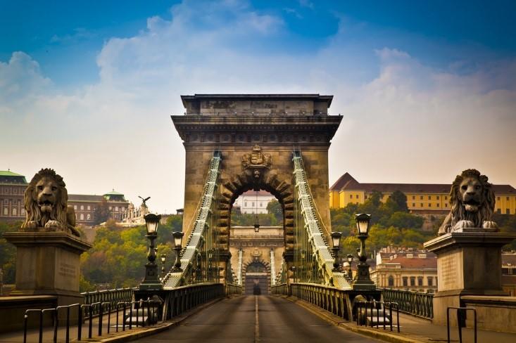 walk the chain bridge