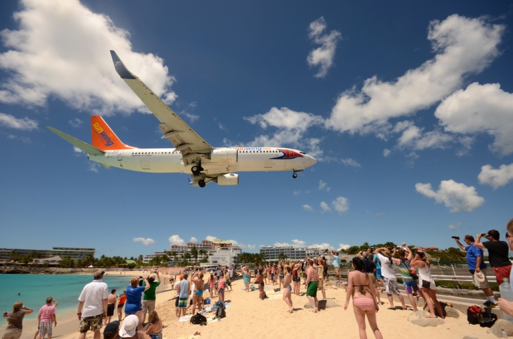Maho Beach, St Marrten