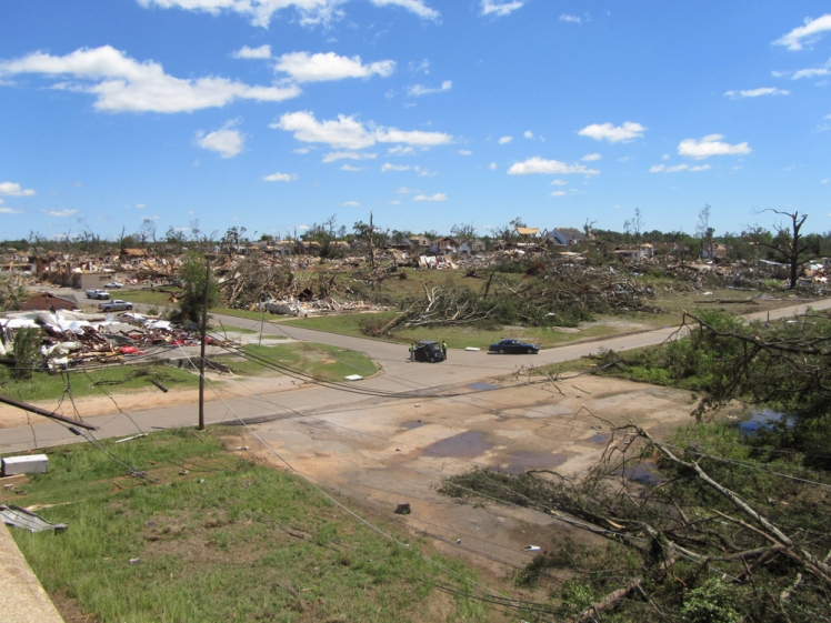 Terrifying tornadoes caught on camera - Tuscaloosa, Alabama, April 27, 2011
