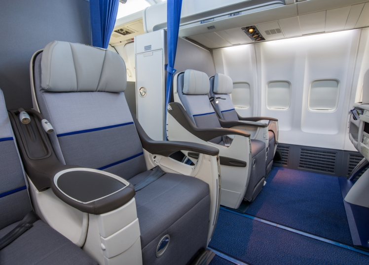 Discover a guide to booking business class flights cheaply