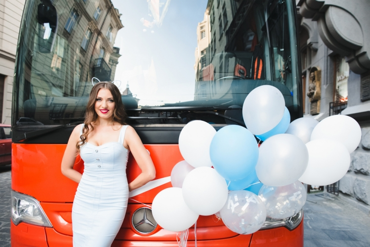 Should You Get a Party Bus Rental or Charter Bus?