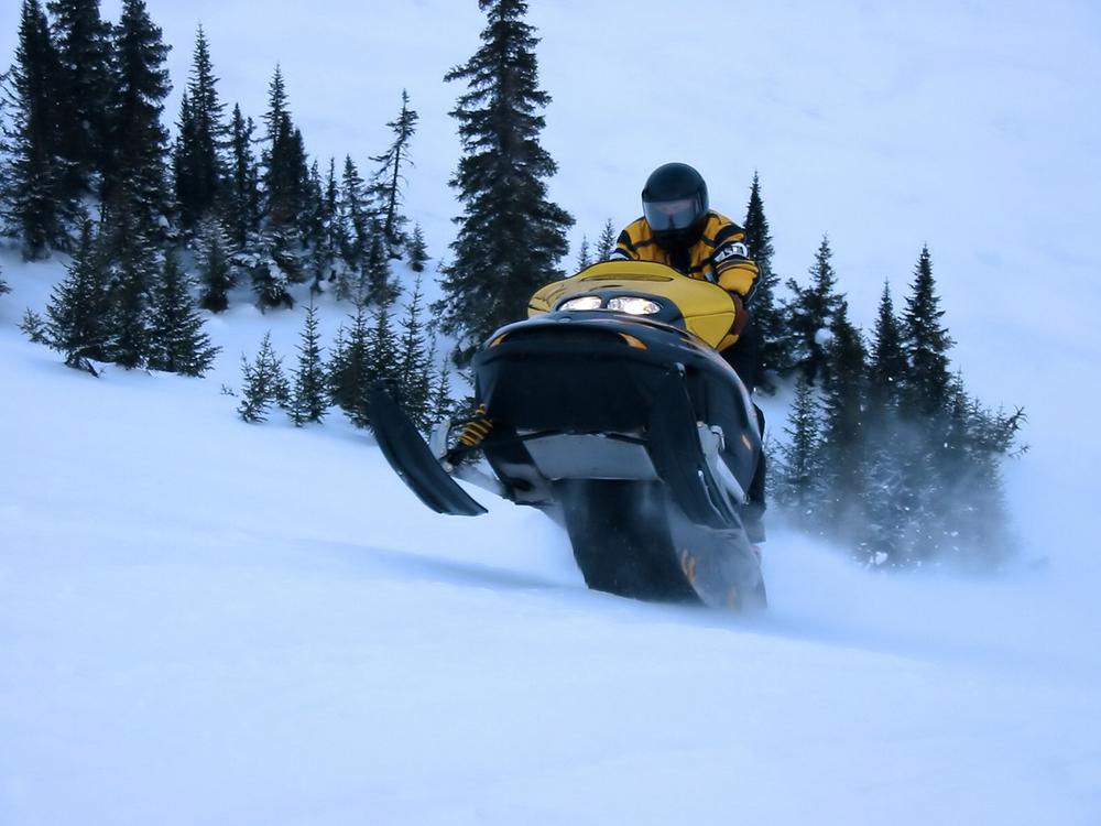 Go Snowmobiling, Canada