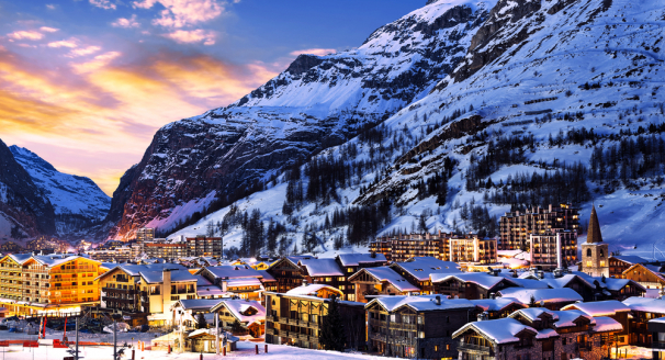30 Hot Spots In The Cold: The Best Apres Ski Resorts In The World